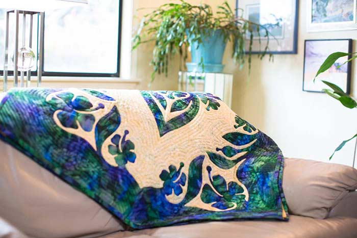 Delicate Beauty Hawaiian Wall Quilt Pattern