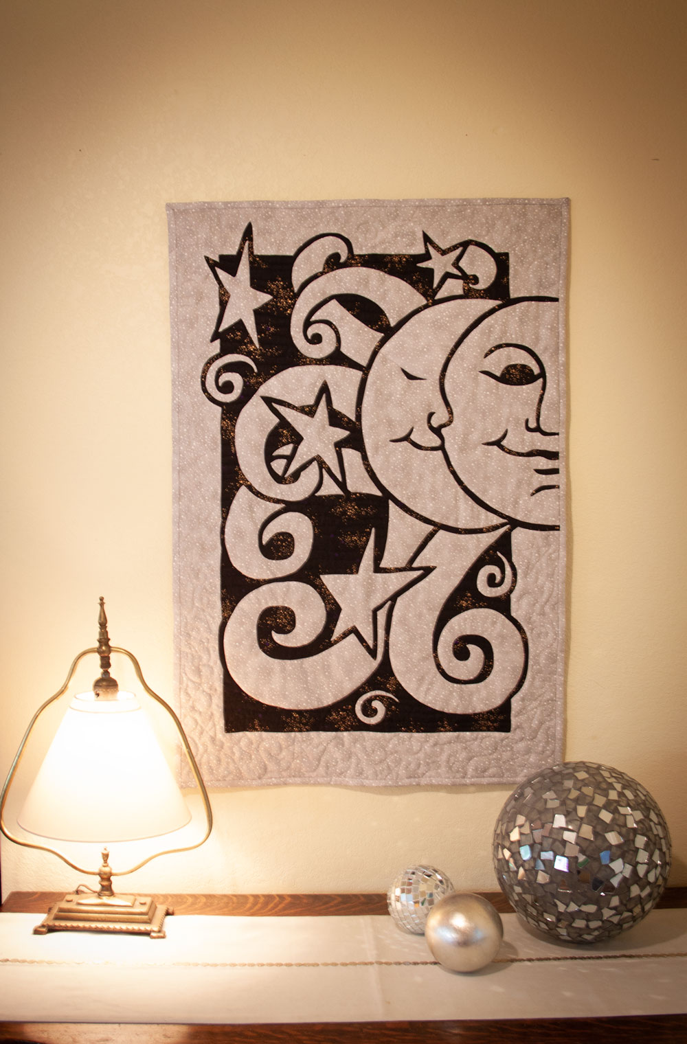 Moon Dance 2 Fabric Applique Quilt Pattern